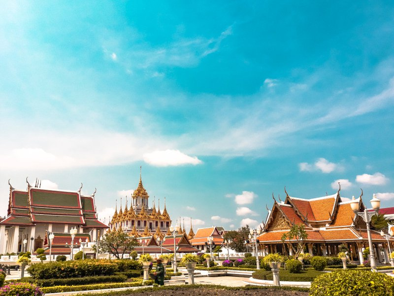 advantages of relocating in thailand
